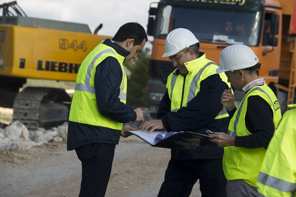 Folgado dirige una mesa de trabajo para atender inmediatamente los principales desperfectos en las carreteras por el temporal